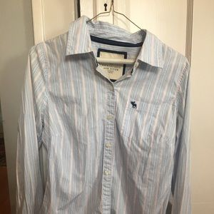 Abercrombie and Fitch classic button up M/L
